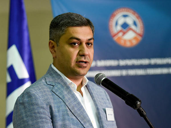 Ermənistan Futbol Federasiyasının prezidenti istefa verdi