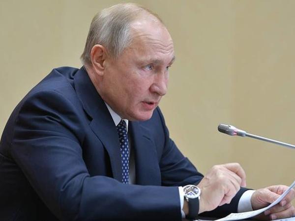 """Putin təhlükələrdən danışdı: """"Kosmos hərbiləşdirilir"""""""