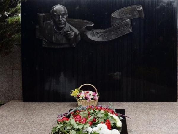 Görkəmli kinorejissor, Xalq artisti Rasim Ocaqovun xatirəsi anılıb - FOTO