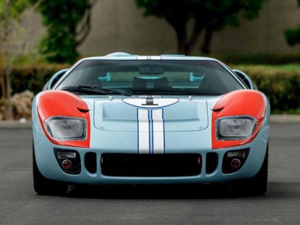 """""""Ford Ferrariyə qarşı"""" filmində çəkilən Ford GT40 satılır - FOTO"""