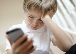 Mobil telefon asılılığı uşaqlarda ruhi pozğunluqlara yol açır