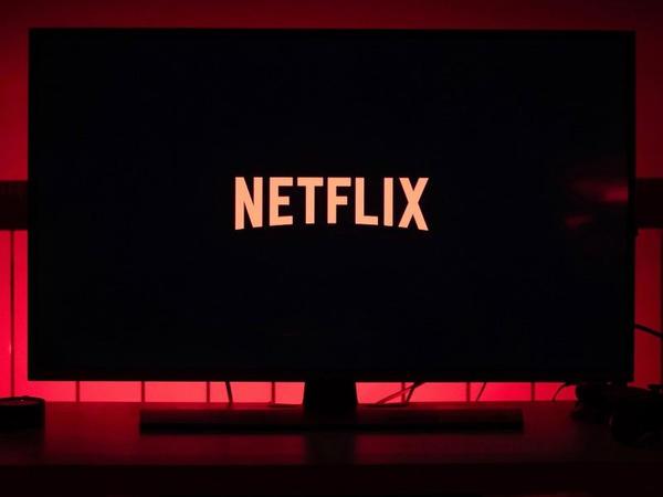 Netflix bu il 5,24 milyon dollar qazanıb