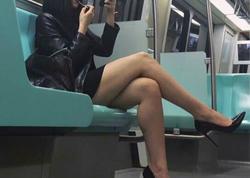 """Qadın metroda iki kişiyə təcavüz etdi - <span class=""""color_red"""">Kuryoz olay - VİDEO - FOTO</span>"""