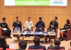 """&quot;Qarabağ&quot;ın futbolçuları universitetin qonağı oldu - <span class=""""color_red"""">FOTO</span>"""