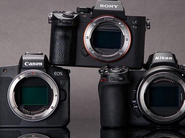 Sony Yaponiyanın tamkadrlı kameralar bazarında Canon və Nikon-dan irəli keçib