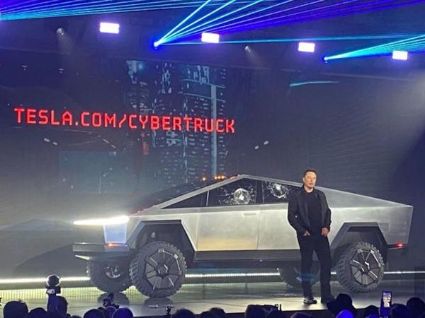 Tesla maşınların şüşə səthlərini lazer şüalarıyla təmizləyəcək