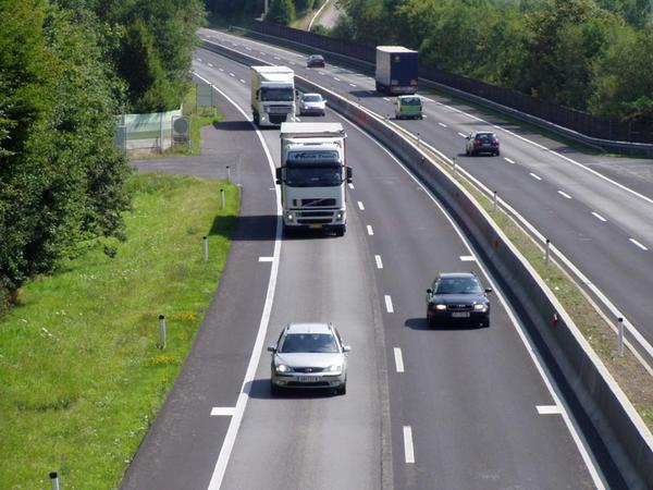 Çexiyada magistral yollarda gedişə görə rüsum tutulmasının peyk sistemi tətbiq edilib