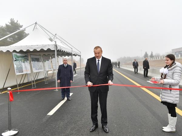 Prezident İlham Əliyev Bakı-Şamaxı-Yevlax avtomobil yolunun 101-117-ci kilometrlik hissəsinin açılışında iştirak edib - FOTO