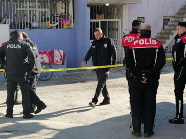 """İzmirdə silahlı atışma: <span class=""""color_red"""">10 nəfər yaralandı - FOTO</span>"""