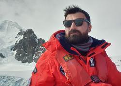 """Məşhur yazıçı bu dəfə buzlaqlar ölkəsində - <span class=""""color_red"""">Rövşən Abdullaoğlu Antarktidada - FOTO</span>"""