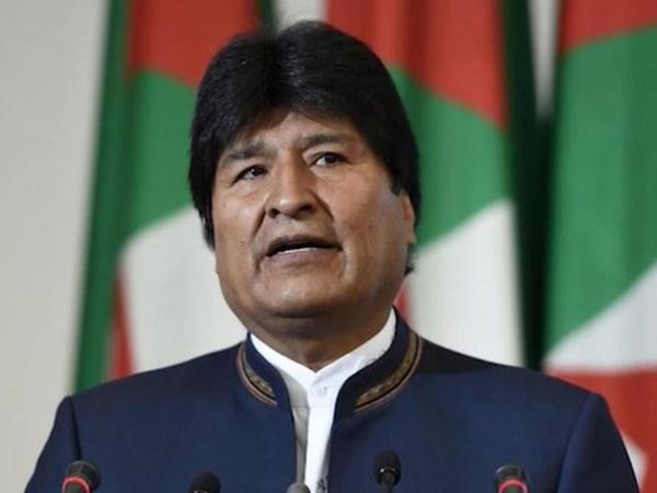 Evo Morales siyasi sığınacaq aldığı Meksikanı da tərk etdi