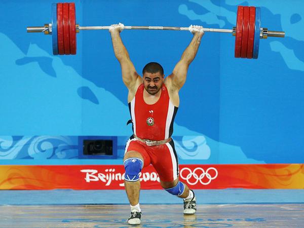 Nizami Paşayev 10 ildən sonra dünya çempionu adını qazandı