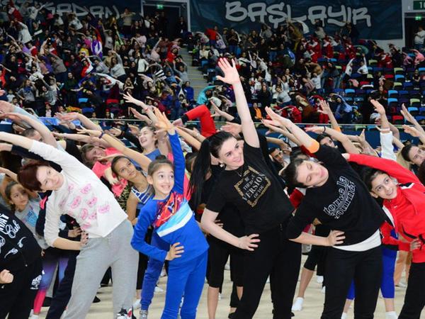 """Milli Gimnastika Arenasında Azərbaycan Gimnastika Federasiyasının Birinci estafet yarışları keçirilir - <span class=""""color_red"""">FOTO</span>"""