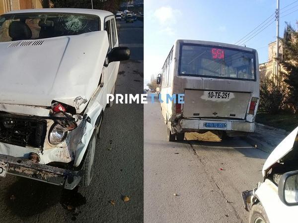 """Bakıda avtobus &quot;Niva&quot; ilə toqquşdu - Sürücü yaralandı - <span class=""""color_red"""">FOTO</span>"""