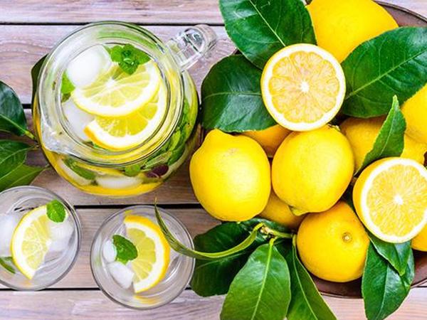 """Limonun bu faydalarını bilirsinizmi? - <span class=""""color_red"""">DİQQƏT</span>"""