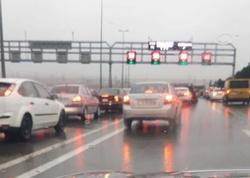 """Aeroport yolunda zəncirvari qəza - <span class=""""color_red"""">3 avtomobilə görə yol tıxandı - FOTO</span>"""