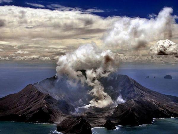 Yeni Zelandiya polisi vulkan püskürməsi ilə bağlı təhqiqatı davam etdirir