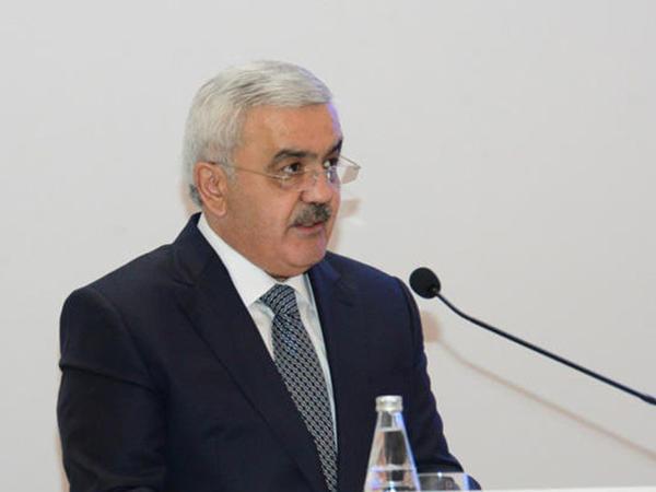 """Rövnəq Abdullayev: """"Azərbaycanda sənaye üsulu ilə 2 milyard tondan çox neft hasil edilib"""""""