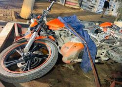 """Bakıda motosiklet avtomobillərə çırpılıb, <span class=""""color_red""""> sürücü xəsarət alıb - VİDEO -  FOTO</span>"""