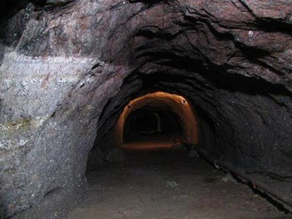 Kömür mədənində qaz sızması 4 nəfərin ölümünə səbəb olub - Qırğızıstanda