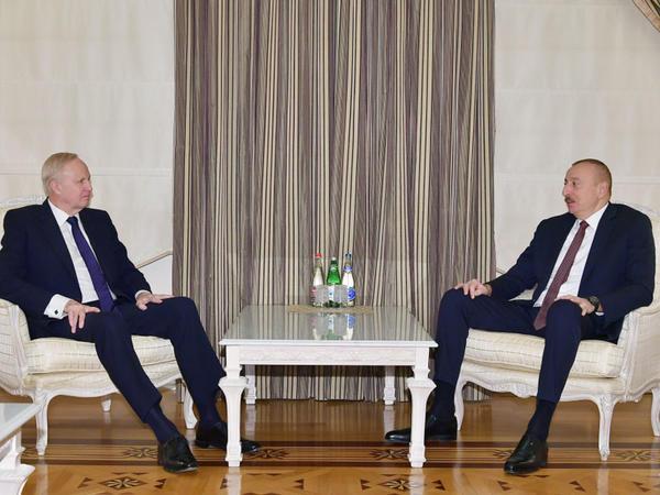 Azərbaycan Prezidenti İlham Əliyev BP qrupunun baş icraçı direktorunu qəbul edib - FOTO