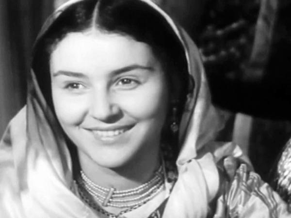 """Stalini heyran qoyan azərbaycanlı aktrisanın sirlərini nəvəsi açdı - <span class=""""color_red"""">FOTO</span>"""