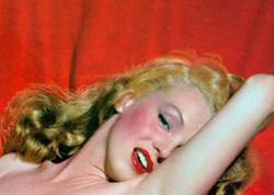 """Merilin Monronun indiyə qədər gizlədilən lüt şəkilləri yayılıb - <span class=""""color_red"""">22 yaşındaykən çəkilib - FOTO</span>"""