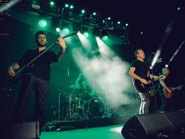 """Haluk Levent Sura üçün xeyriyyə konserti verib - <span class=""""color_red"""">VİDEO - FOTO</span>"""
