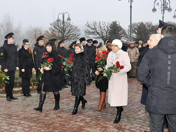 """Ümummilli lider Heydər Əliyev Həştərxanda anılıb - <span class=""""color_red"""">FOTO</span>"""
