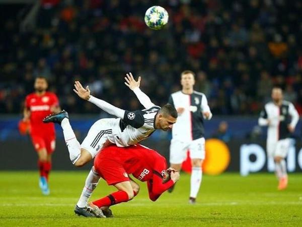"""Türkiyəli futbolçu dünya gündəmində: <span class=""""color_red"""">Rekord qıran paylaşım - FOTO</span>"""