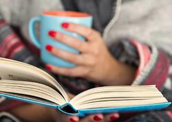 """Kitab oxuyarkən gözlərinizi qorumağın <span class=""""color_red"""">YOLLARI</span>"""