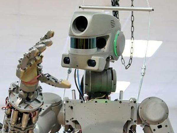 Rusiya və Yaponiya Ayda işləmək üçün robot yaradır