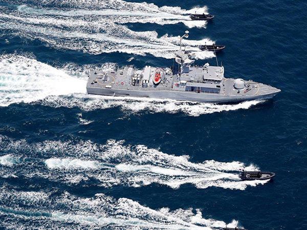 Türk donanması İsrail gəmisini ərazidən qovdu