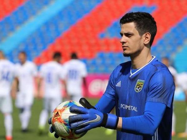 Azərbaycanlı futbolçu erməni məşqçiyə görə klubundan ayrılır