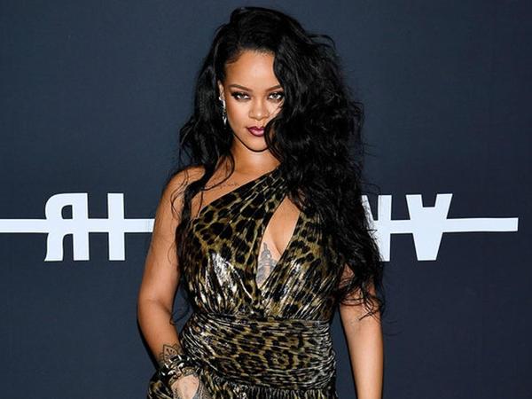 Rihannanın həyatından film çəkilir