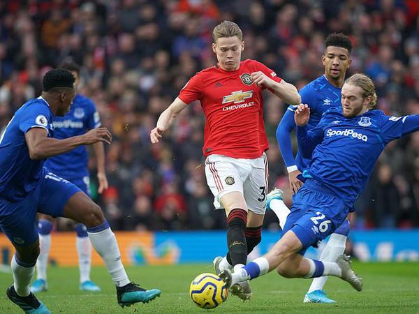 "&quot;Mançester Yunayted&quot; &quot;Everton&quot;la bacarmadı - <span class=""color_red"">VİDEO - FOTO</span>"