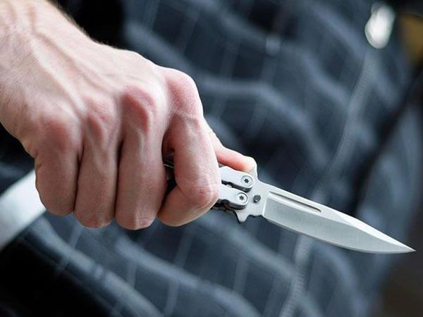 Sumqayıtda dayı bacısı oğlunu bıçaqladı