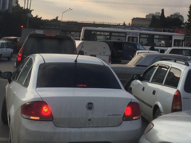 Binəqədi-Biləcəri yolunda görünməmiş tıxac