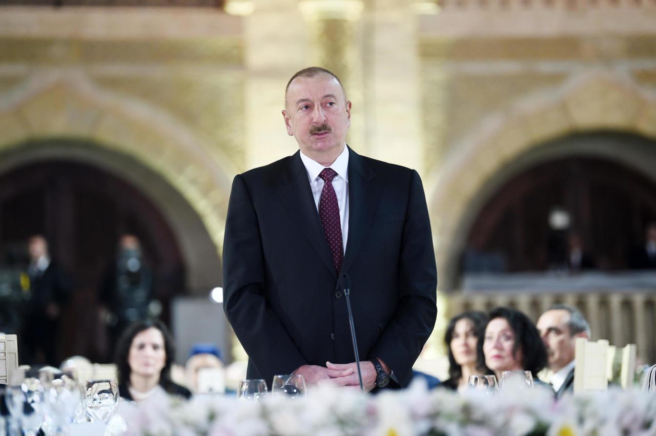 Prezident İlham Əliyev: Neft-qaz sektoru bundan sonra onilliklər ərzində Azərbaycanın aparıcı sektoru olacaqdır