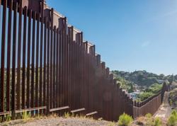 Tramp administrasiyası Pentaqondan Meksika ilə sərhəddə divar inşasının maliyyələşdirilməsini istəyir