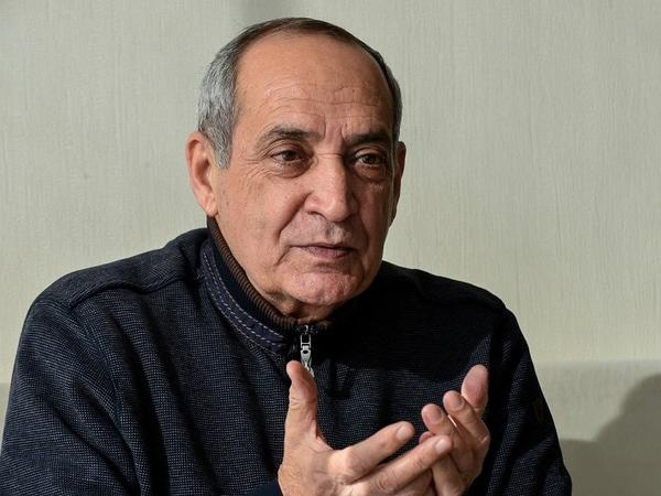"""Rasim Balayevə """"Nəsimi"""" medalı verildi"""