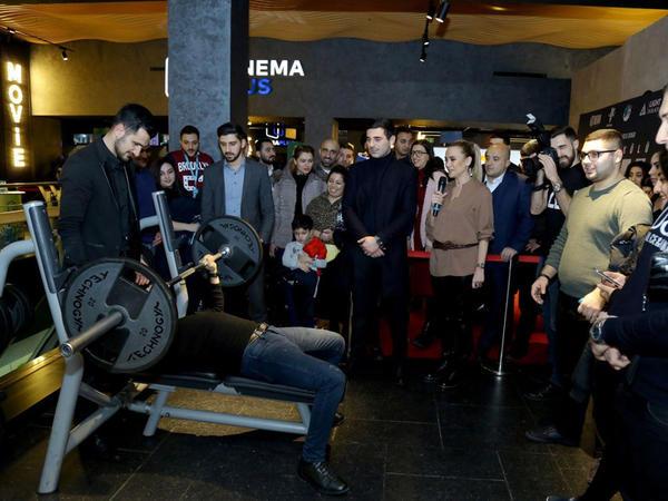 """""""CinemaPlus""""da dünya şöhrətli ağır atlet Naim Süleymanoğlu haqda film nümayiş olunub - VİDEO - FOTO"""
