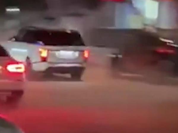 Bakı küçələrində bahalı avtomobillərin yarışı təşkil edilib - VİDEO