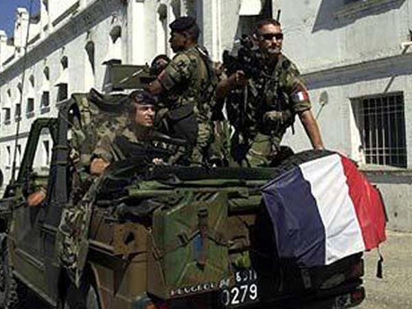 Fransız hərbiçiləri hökumətin pensiya islahatlarına qarşı çıxdı