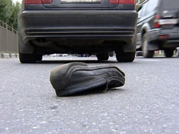 Bakıda avtomobil 22 yaşlı gənci vurdu