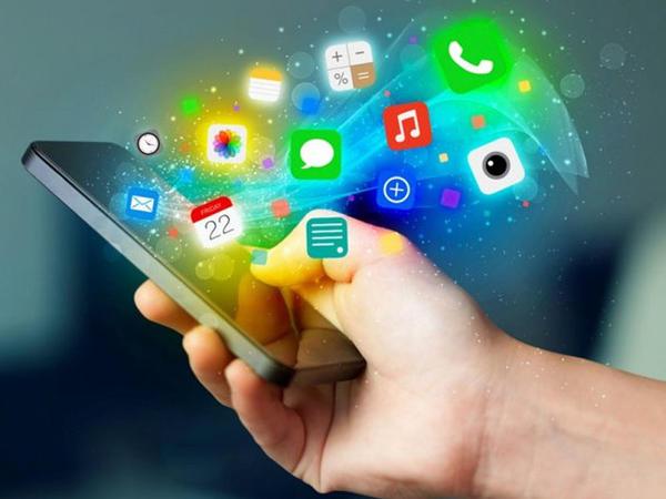 Ən arzuolunmaz smartfon tətbiqləri hansılardır?