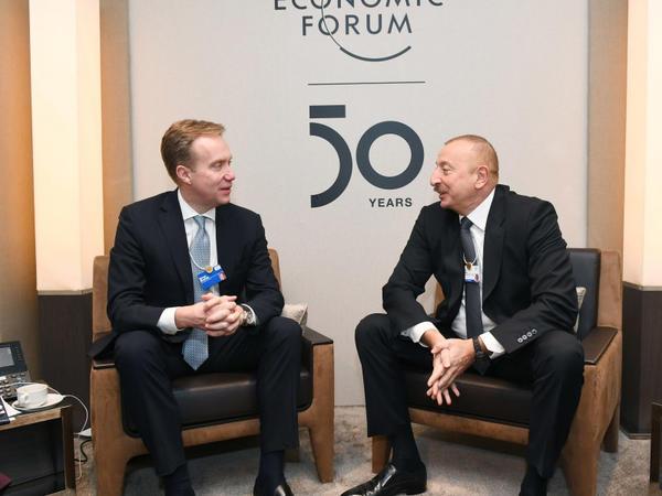 Prezident İlham Əliyev Davosda Dünya İqtisadi Forumunun prezidenti Borge Brende ilə görüşüb - FOTO
