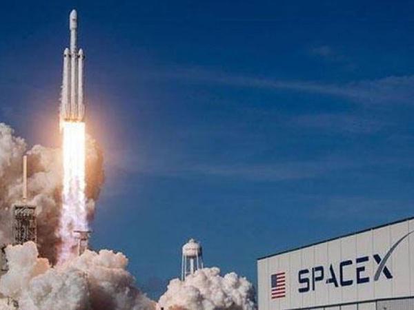 SpaceX təcili qaçış sistemini sınaqdan keçirdi