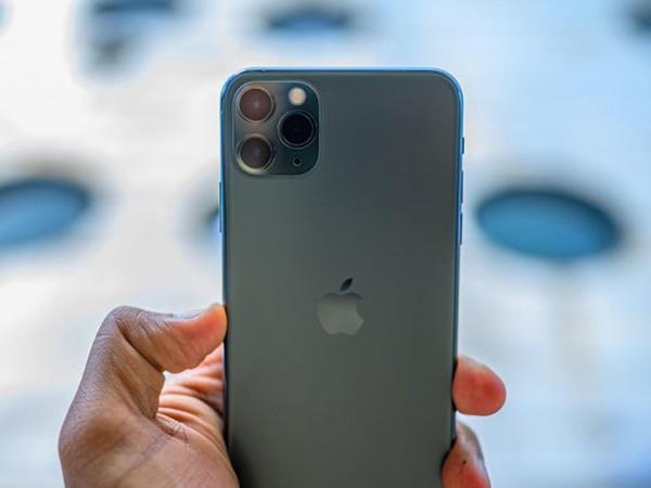 iPhone 11-in selfi kamerasının imkanları nümayiş etdirildi - VİDEO