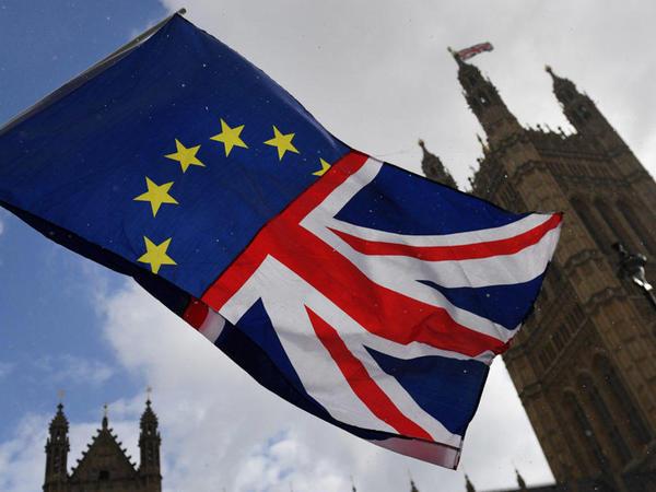 Böyük Britaniya parlamenti Brexit qanun layihəsini təsdiqləyib